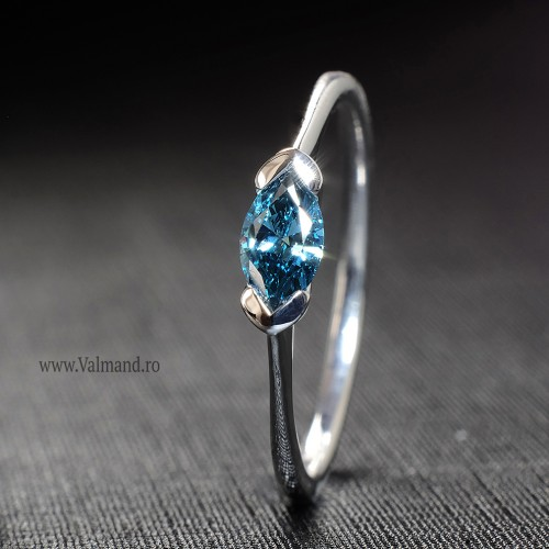 Gold or Platinum engagement ring with Blue Marquise cut Diamond i575DBMa