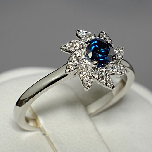 Gold or Platinum ring with Blue Diamond and secondary Diamonds 122109DbDi
