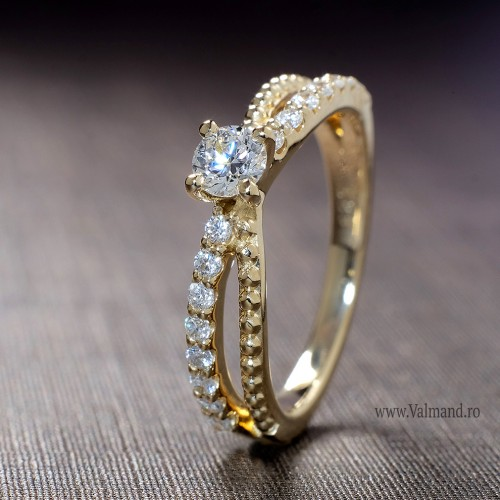 Gold or Platinum engagement ring with Diamonds 123140didi