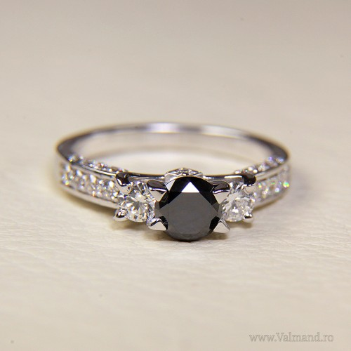 Gold engagement ring with Black Diamond and Colorless Diamonds 510DnDi