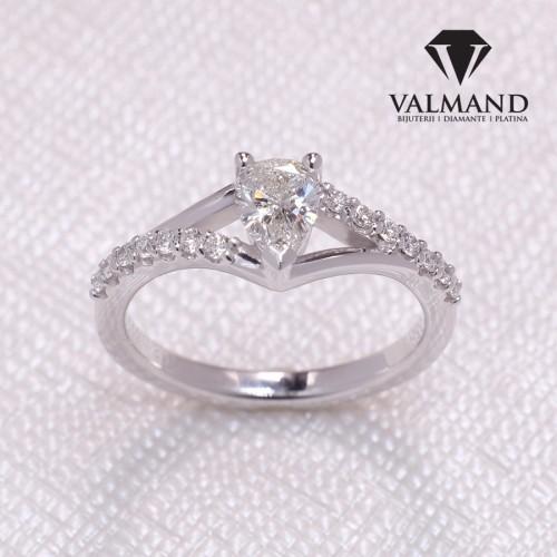 Platinum engagement ring with Pear cut Diamond p533DiPADi