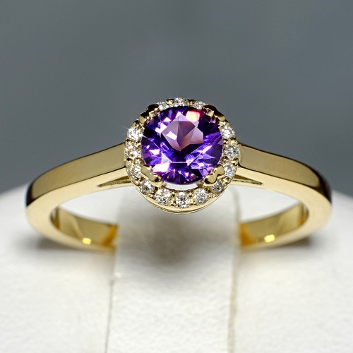 Gold or Platinum ring with Amethyst and Diamonds i030AmDi