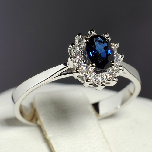 Gold engagement ring with Sapphire and Diamonds 042SfDi
