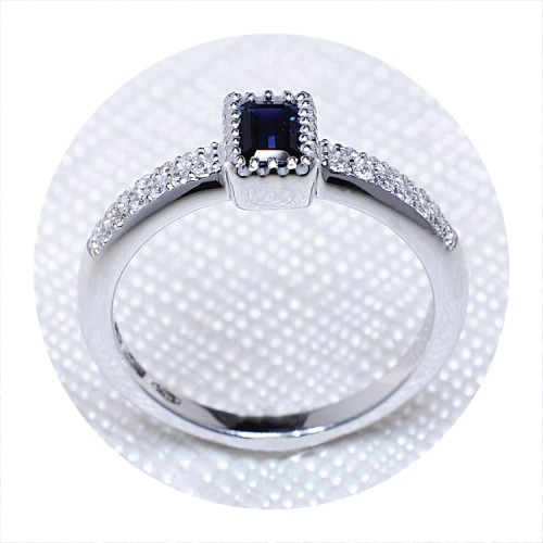 Gold or Platinum engagement ring with Sapphire and Diamonds i1023SfEDi