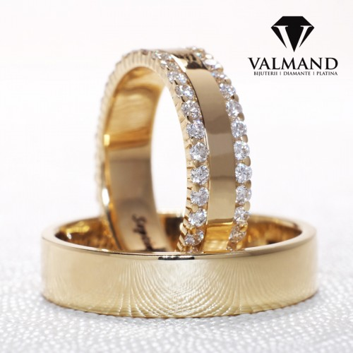 Gold or Platinum wedding rings with Diamonds v1241
