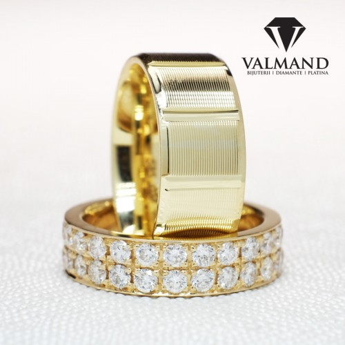 Gold or Platinum wedding rings with Diamonds v160