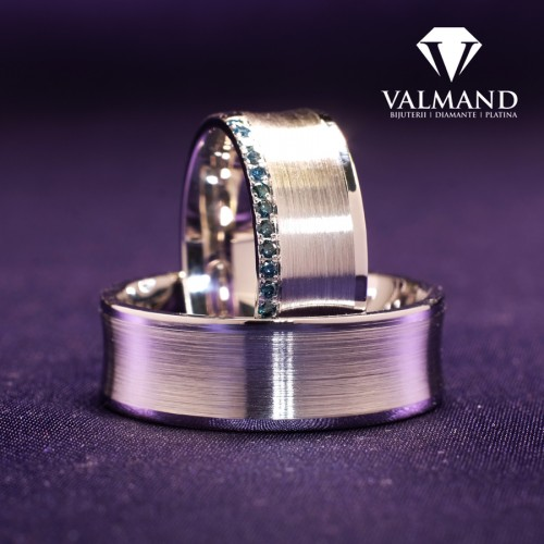 Gold or Platinum wedding rings with Blue Diamonds v170