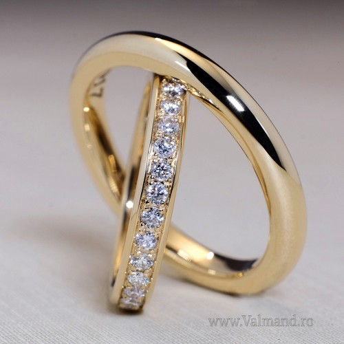 Gold wedding rings with Diamonds v860