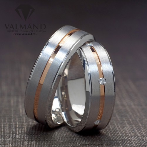 Gold wedding rings with Diamonds v940