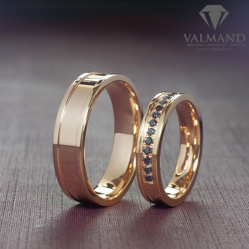 Gold wedding rings with Black Diamonds v968